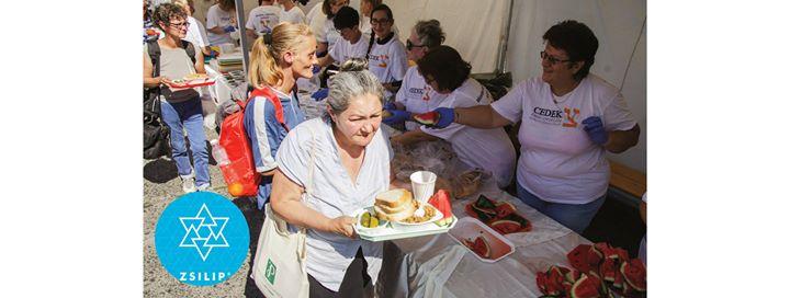 Szociális ételosztás a CEDEK Szeretetszolgálat szervezésében