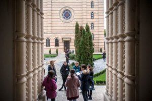 Séta a zsinagóga kertjében @ Magyar Zsidó Múzeum és Levéltár - Hungarian Jewish Museum and Archives |  |  |