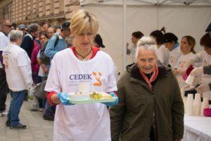 Szociális étel,-meleg ruha és takaróosztás a CEDEK szervezésében @ Almássy tér, Budapest 1077, Magyarország |  |  |